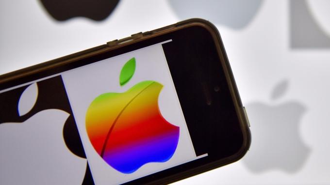 圖:AFP iPhone X的Face ID解鎖系統 可能不太安全。