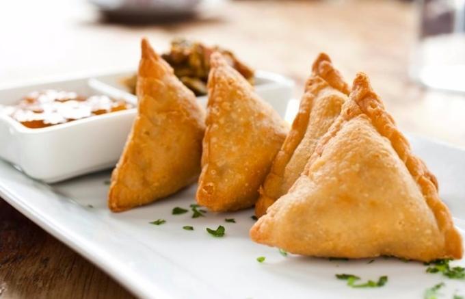 南非咖喱餃 / 圖:Midiba 餐廳
