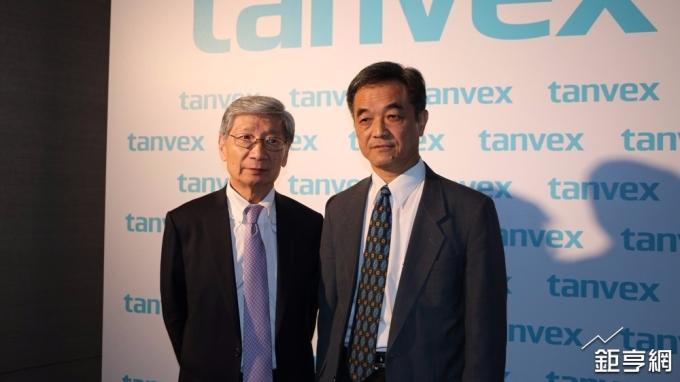 泰福-KY董事長陳志全(右)與總經理趙宇天。(鉅亨網記者李宜儒攝)