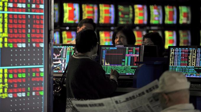 哇!今年漲一倍的股票,還有會大漲的嗎?快來挖寶。(AFP)