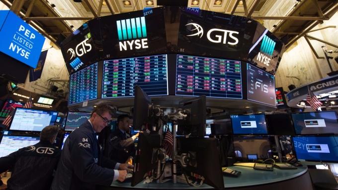 圖:AFP  企業消息傳利多 美國股市週二再創新歷史高點