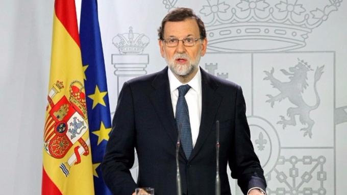 西班牙首相拉霍伊11日給予加泰隆尼亞自治區政府8天時間來放棄獨立。  (圖:AFP)