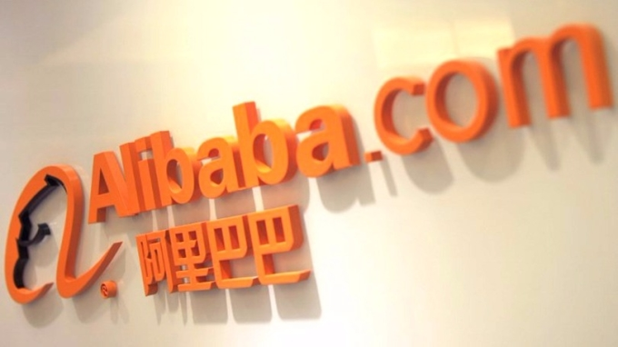 傳大陸互聯網監管機構討論入股營運騰訊以及阿里巴巴旗下兩家媒體公司,新浪微博及優酷土豆1%股權。 (圖:AFP)