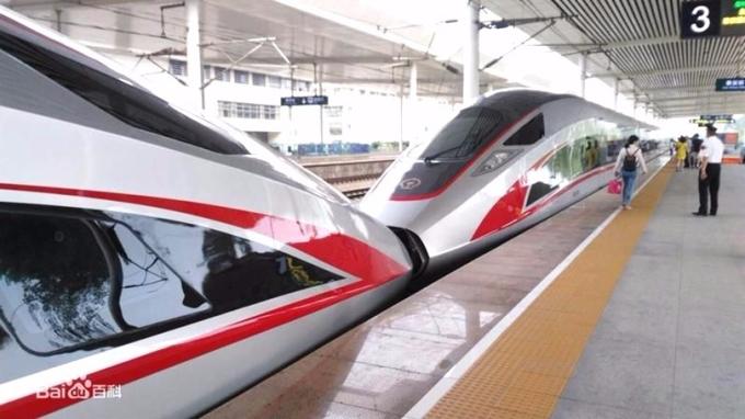中國鐵路總公司負債高達4.8兆人民幣。圖為「復興號」。 (圖:百度百科)