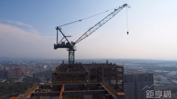 〈房產〉林口最高建案上樑了 2019 年9月底完工