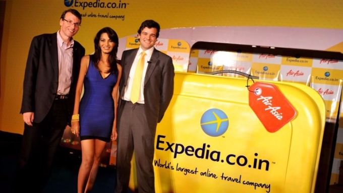 Expedia與廉價航空AirAsia合作 (圖:AFP)