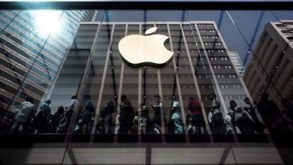 iPhone X 上市,但才開賣短短一周,就陸續傳出螢幕出現綠色線條的異常狀況。