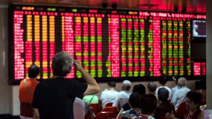 券商預估,A股短期或呈「進三退二」格局,中期則有9大利多因素。 (圖:AFP)