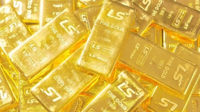 黃金過去一個月被分析師認為呈現睡美人模式。(圖:AFP)