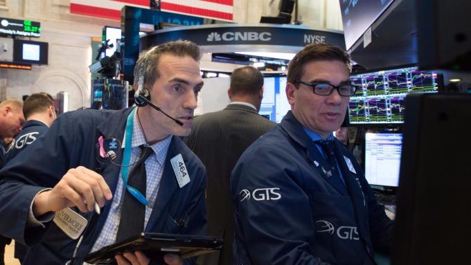 圖:AFP 美國股市週二中場大幅上漲