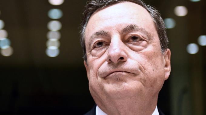 德拉吉對是否要訂出明確的QE結束日期,還未定案。(AFP)