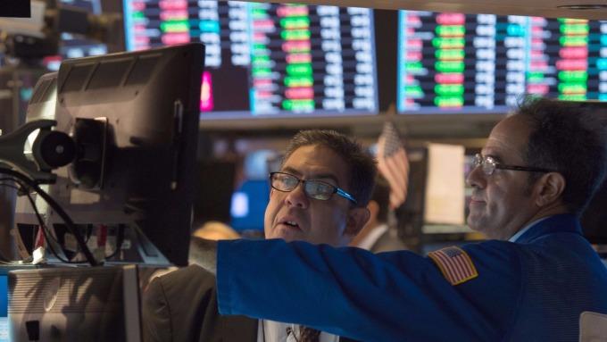 圖:AFP  美國股市中場上漲 S&P 500與Nasdaq創新歷史高點
