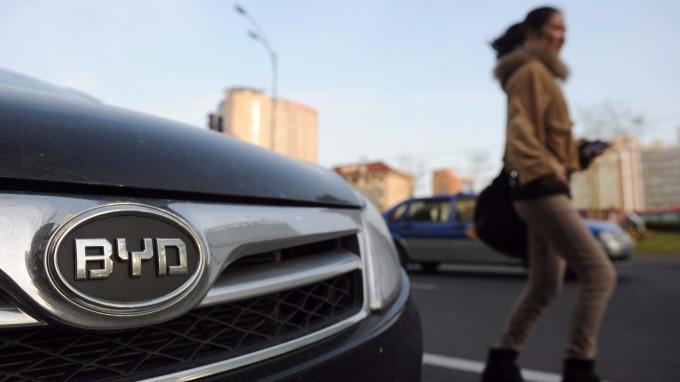 中國擬對新能源車免稅延長。(AFP)