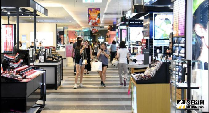 網路購物威脅加大百貨公司靠它求生
