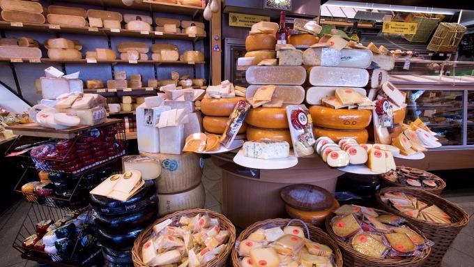 各式各樣的乳酪 (圖:Wikipedia)