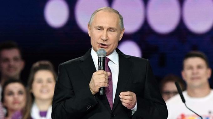普丁宣佈角逐明年3月的總統大選。 (圖:AFP)