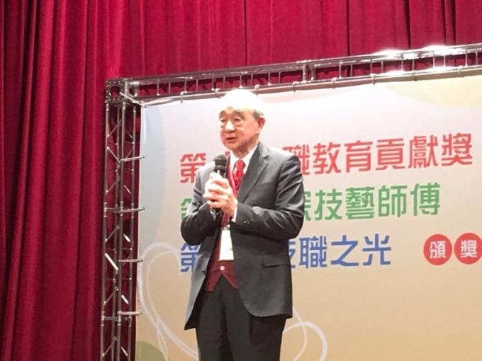 華夏科技大學董事長孟繼洛致詞時表示,青年學子選技職教育,畢業後立刻就業。