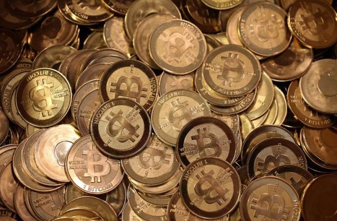 比特幣的野蠻生長將被自己打敗,法幣大軍很快從比特幣轉換成現金,尋求黃金避險。 (: