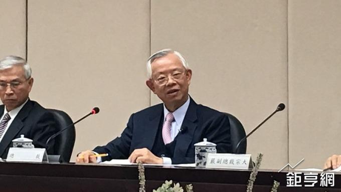 央行總裁彭淮南解釋為何台灣尚未跟進美國升息腳步。(鉅亨網記者王莞甯攝)