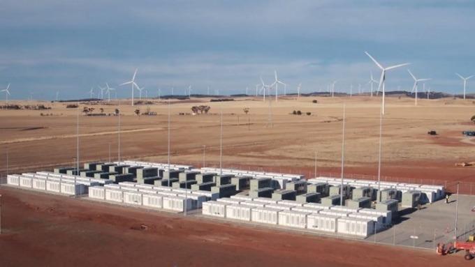 特斯拉在南澳的100MW/129MWh巨型鋰電池系統 (圖:AFP)