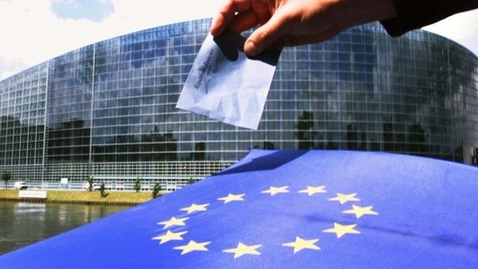 歐盟銀行業者自2018年起,將開放數據給第三方公司。(圖:AFP)