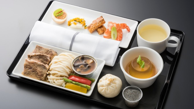 晶華搶日本客源 全日空商務艙餐點採用冠軍牛肉麵