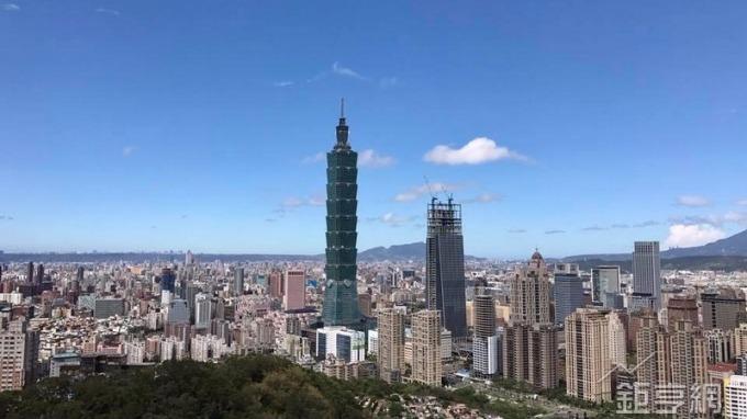台北市商辦空置率去年Q4下降到5.5%, 創10年新低。(鉅亨網記者張欽發攝)