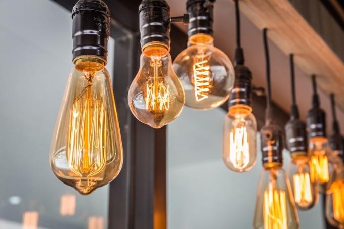 燈絲燈 / 圖:彭博