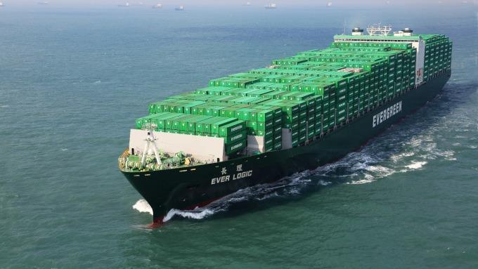 貨櫃三雄業績反彈 長榮年營收改寫新高紀錄
