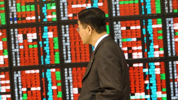 不過越接近 11000 點風險就越大,並且個股差異變化更大,因此選股不選市(afp)