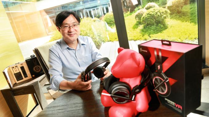 萬魔聲學科技創辦人謝冠宏,50歲從富士康離開後創業。(經理人月刊)
