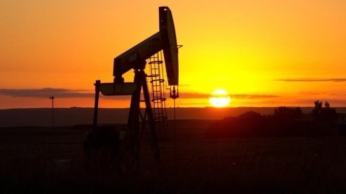 國際油價維持在近3年高點。(圖:AFP)