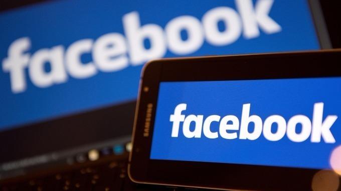 Facebook調整資訊流排序「好友優先」。(圖:AFP)