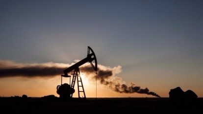 國際油價攀上近3年高點。(圖:AFP)