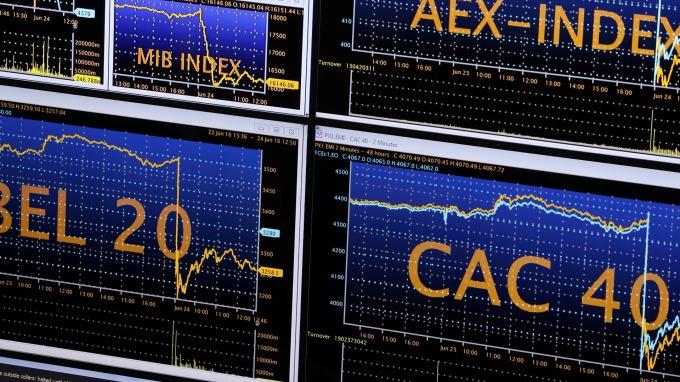 圖:AFP  歐洲股市週四收低