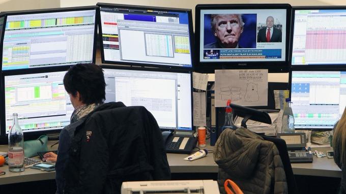 圖:AFP  歐洲股市週五全面下跌