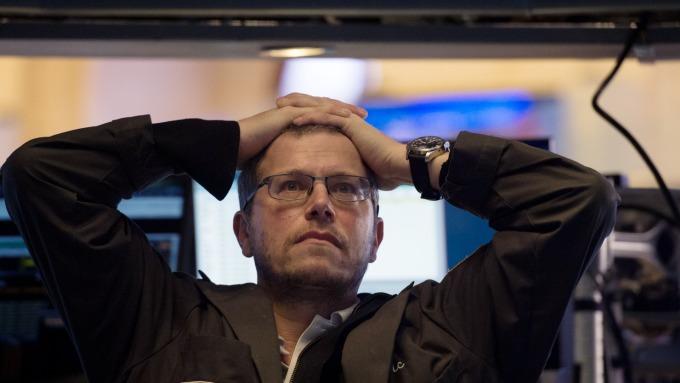圖:AFP  週一 美國股市瘋狂崩跌