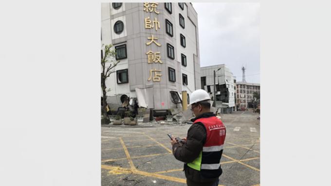 花蓮強震災情嚴重,電信業啟動關懷專案及協助救災。(圖:遠傳提供)