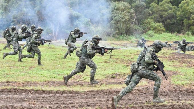 當兵不該變笨應是基本要求(圖:AFP)