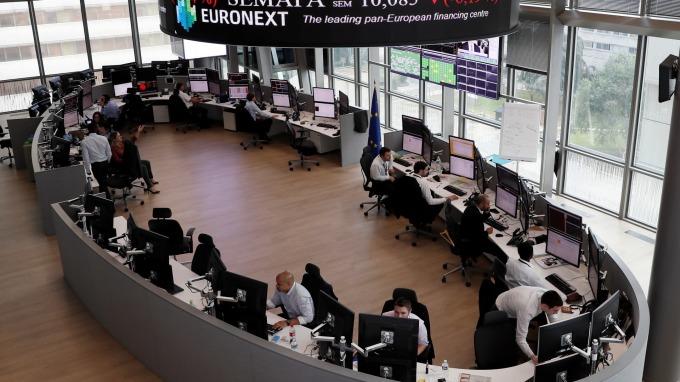 圖:AFP  歐洲股市週一反彈上揚