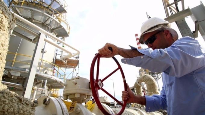 OPEC和俄羅斯可能會在明年鬆綁石油減產。(圖:華爾街見聞)