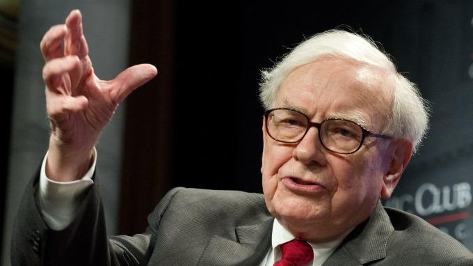 對投資人來說,巴菲特每年的致股東信是寶貴的學習資料。(圖:AFP)