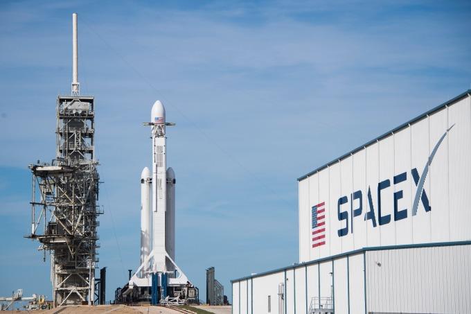 馬斯克說SpaceX正在打造比Falcon Heavy更大的火箭       (圖:AFP)