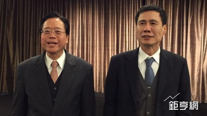 圖左為合庫金暨合庫銀董事長雷仲達,圖右為合庫銀總經理黃伯川。(鉅亨網記者許雅綿攝)