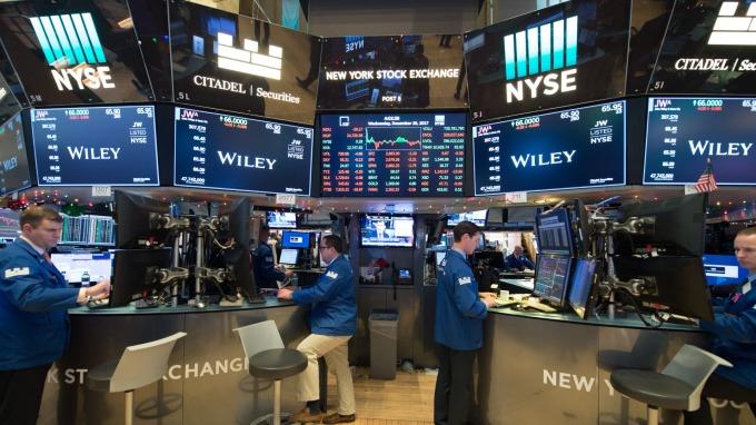 週一美股盤前交易中,指數期貨走揚。(圖:AFP)