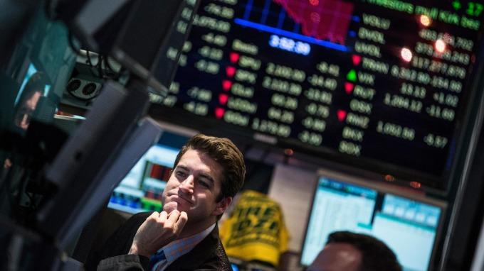 科技金融股受壓 道指跌171點