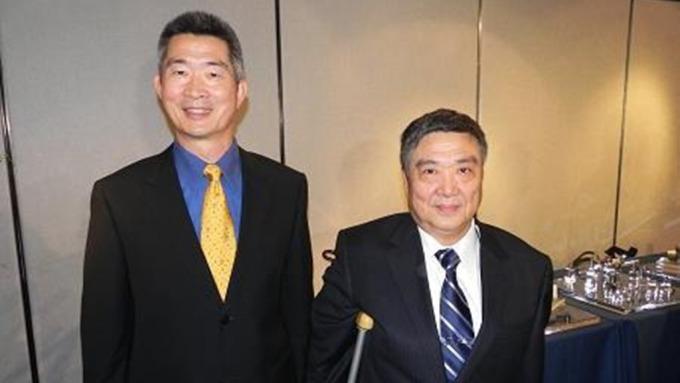 劍麟董事長黃正怡(右)。(鉅亨網資料照)