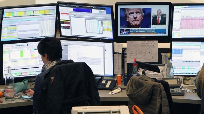 圖:AFP  外交戰升高 歐洲股市週一收低