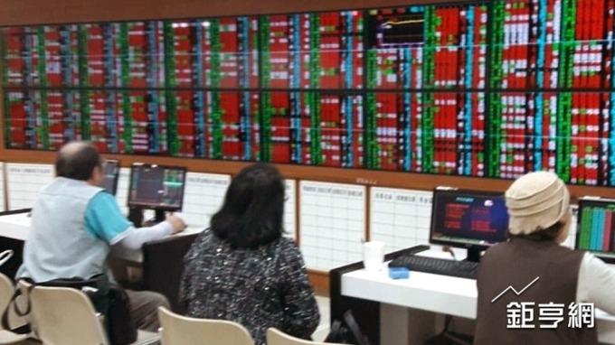 港交所生技掛牌首批台廠將入列 後續觀察港股接受度