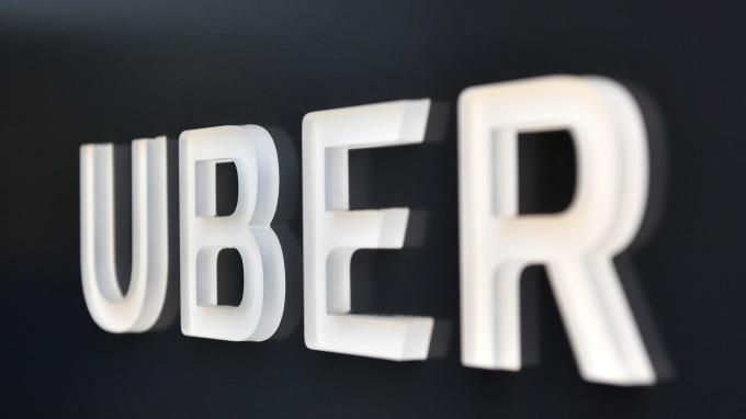 據傳Uber將無人駕駛測試車的激光雷達數量從5個減到只剩車頂上的1個,導致車輛盲點更多。(圖:AFP)